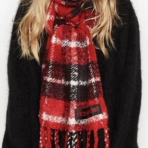 VS Winter Scarf fringed red/blk/wht